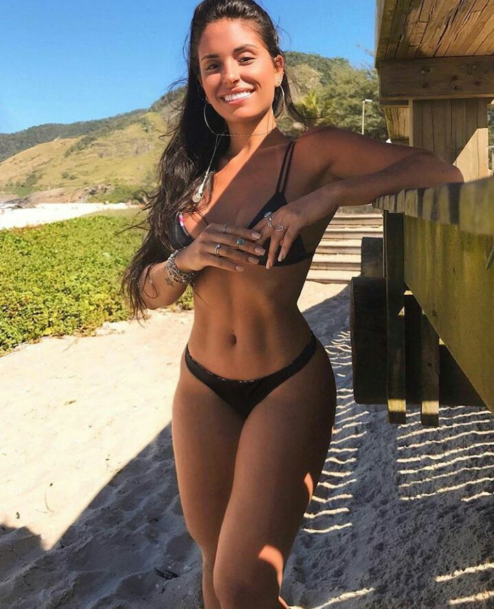 Fotos de mulheres gostosas do whatsapp para começar bem a semana