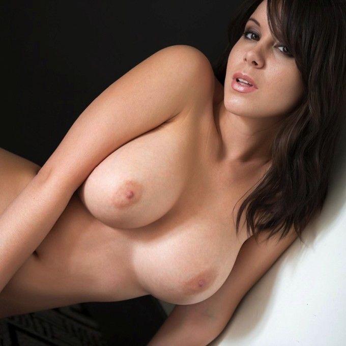 Fotos de morenas gostosas peladas mostrando toda sua beleza nua